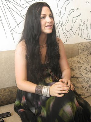 http://evanescence-rus.ru/images/upload/amylee1.jpg