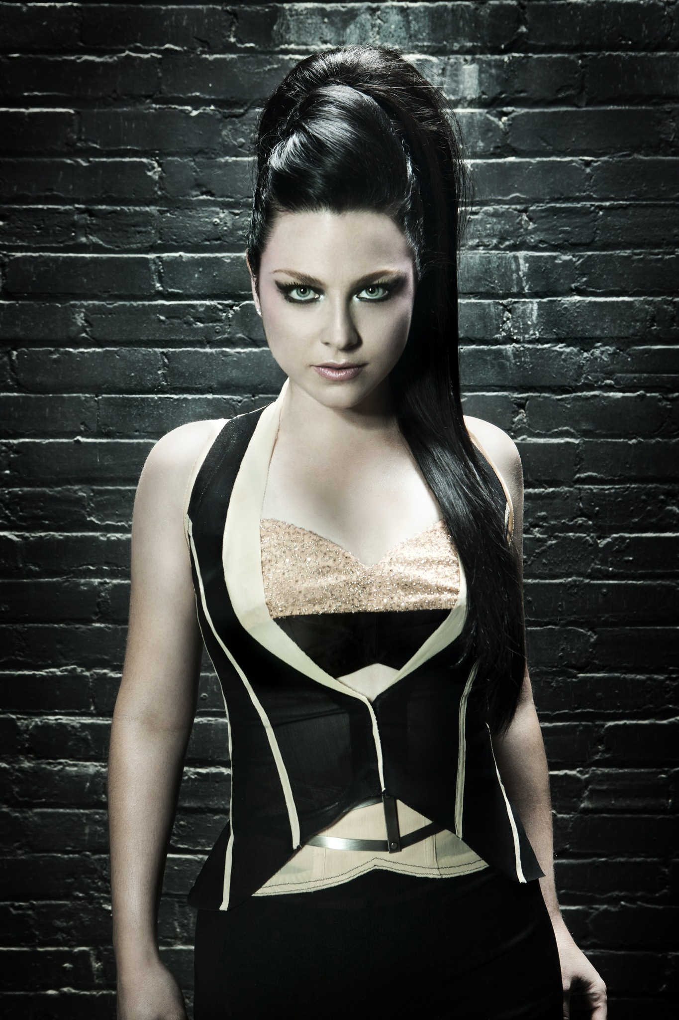 http://evanescence-rus.ru/images/upload/w_0a80e030.jpg