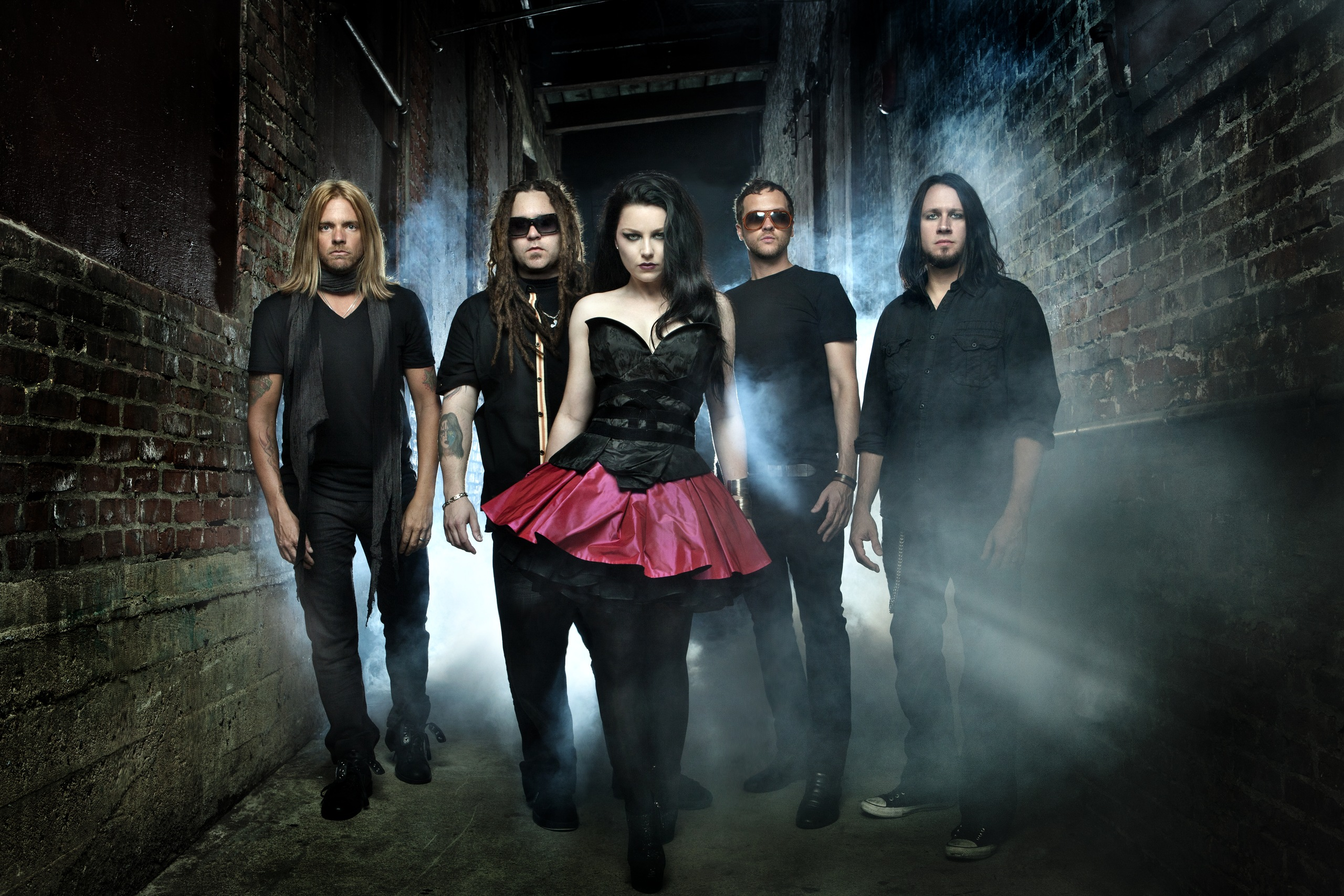 http://evanescence-rus.ru/images/upload/w_bdd4039e.jpg